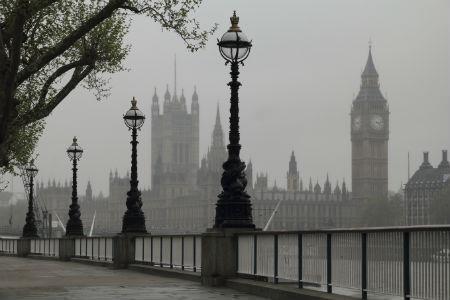 London in fog 450