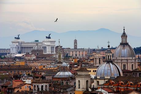 Italian business confiendce falls amid austerity programme